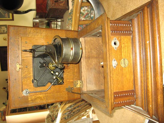 HMV Monarch Gramophone