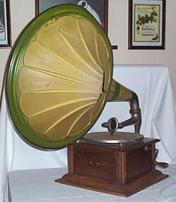Gramophones for sale Horn 1